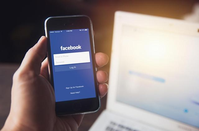 Facebook's Marketplace adds AI help for buyers and sellers