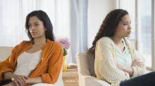 El falso deber de amar a los padres: no es una obligación si ellos criaron bajo el yugo del maltrato y abuso