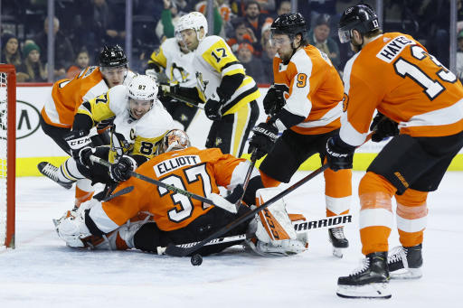 Elliott makes 19 saves to lead Flyers over Penguins 3-0