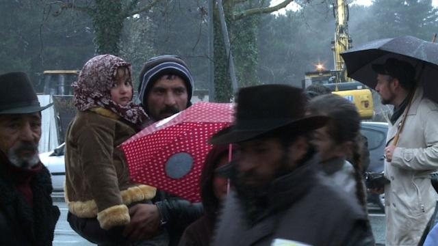 100 Roma evicted as France bulldozes camp