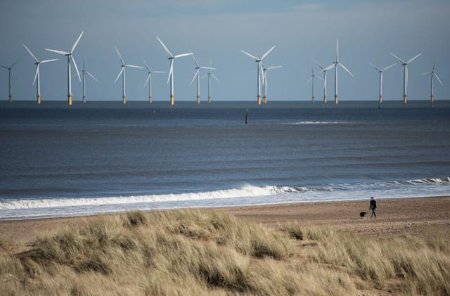 Strong winds and clear skies help set UK renewable energy record