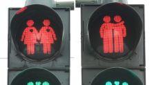 Frankfurt installiert dauerhaft schwules und lesbisches Ampelpärchen