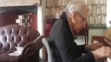 Volvió a vivir… Acto de bondad permitió a un hombre de 95 años y demencia retomar su pasión