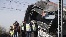 Incidente mortale vicino al treno deragliato: preso il pirata della strada