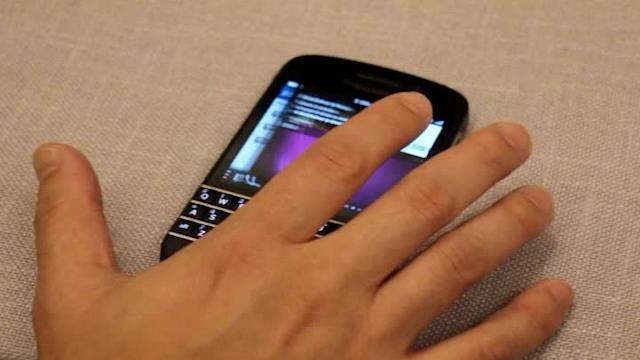First look: BlackBerry Q10