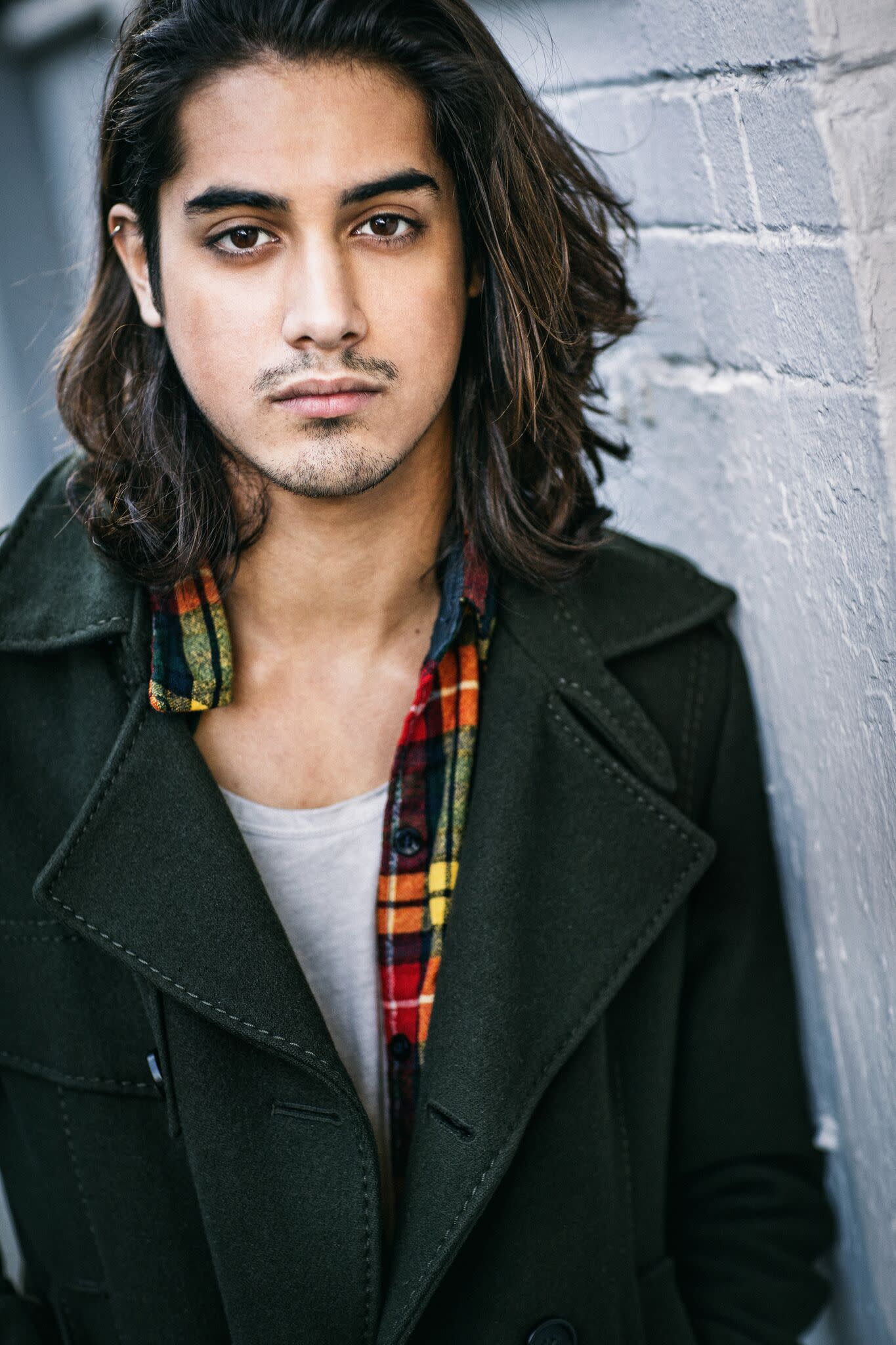 Who is avan jogia currently dating 2019