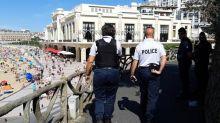 """""""On prend le maximum de précautions"""" : en patrouille avec les policiers déployés à Biarritz pour le G7"""