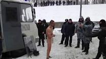 Ukraine: Police make detained demonstrator stand naked in snow