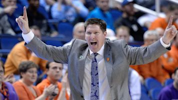 Clemson rewards coach after Sweet 16 run