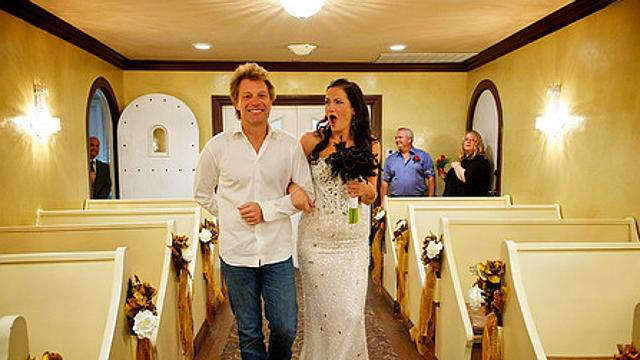 Bon Jovi Walks Fan Branka Delic The Aisle