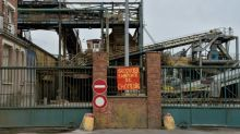 Salariés et élus protestent contre la fermeture d'une sucrerie Saint-Louis