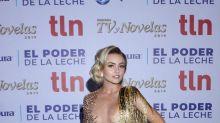 Angelique Boyer admite con humor que sí llevaba el vestido al revés en los Premios TVyNovelas