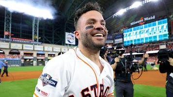 Altuve delivers a moment that'll last forever