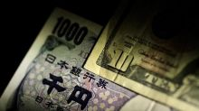Dollar struggles at one-month lows on trade war fears