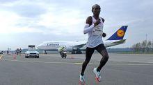 Eliud Kipchoge returns with airport marathon win