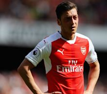 When does Mesut Ozil's contract expire and which club will he sign for?