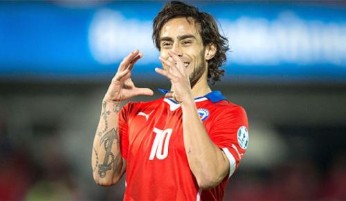 Com Valdivia e Mena, seleção chilena anuncia convocados de fora do país