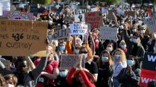 Australian protesters ignore pleas to stay home amid pandemic