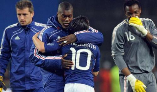 Cissé é formalmente acusado em caso de chantagem a Valbuena, do Lyon
