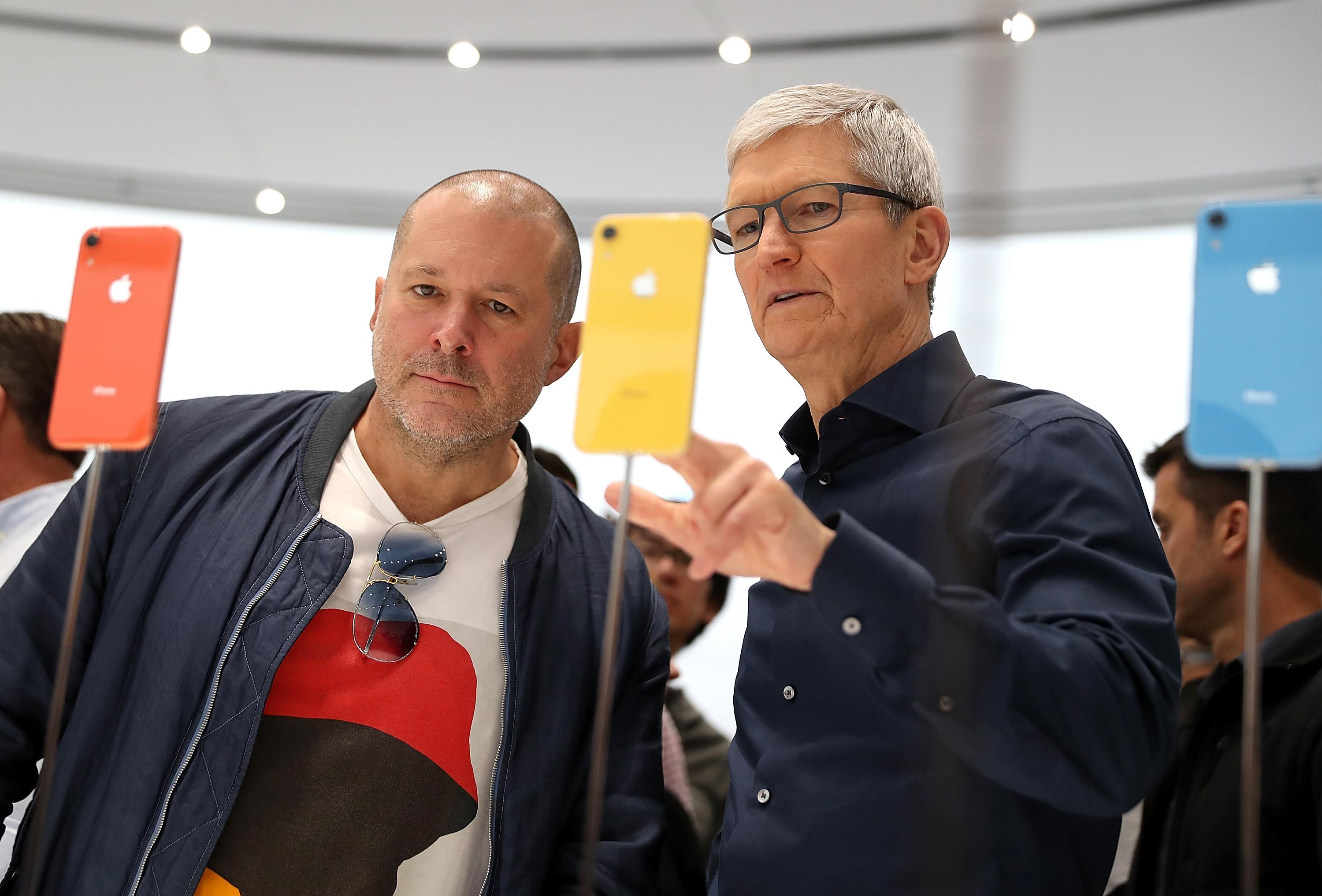 Apple ramped up design hiring ahead of Jony Ive's exit: Thinknum