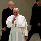 Pope to return to virtual general audiences due to participant COVID-19 case