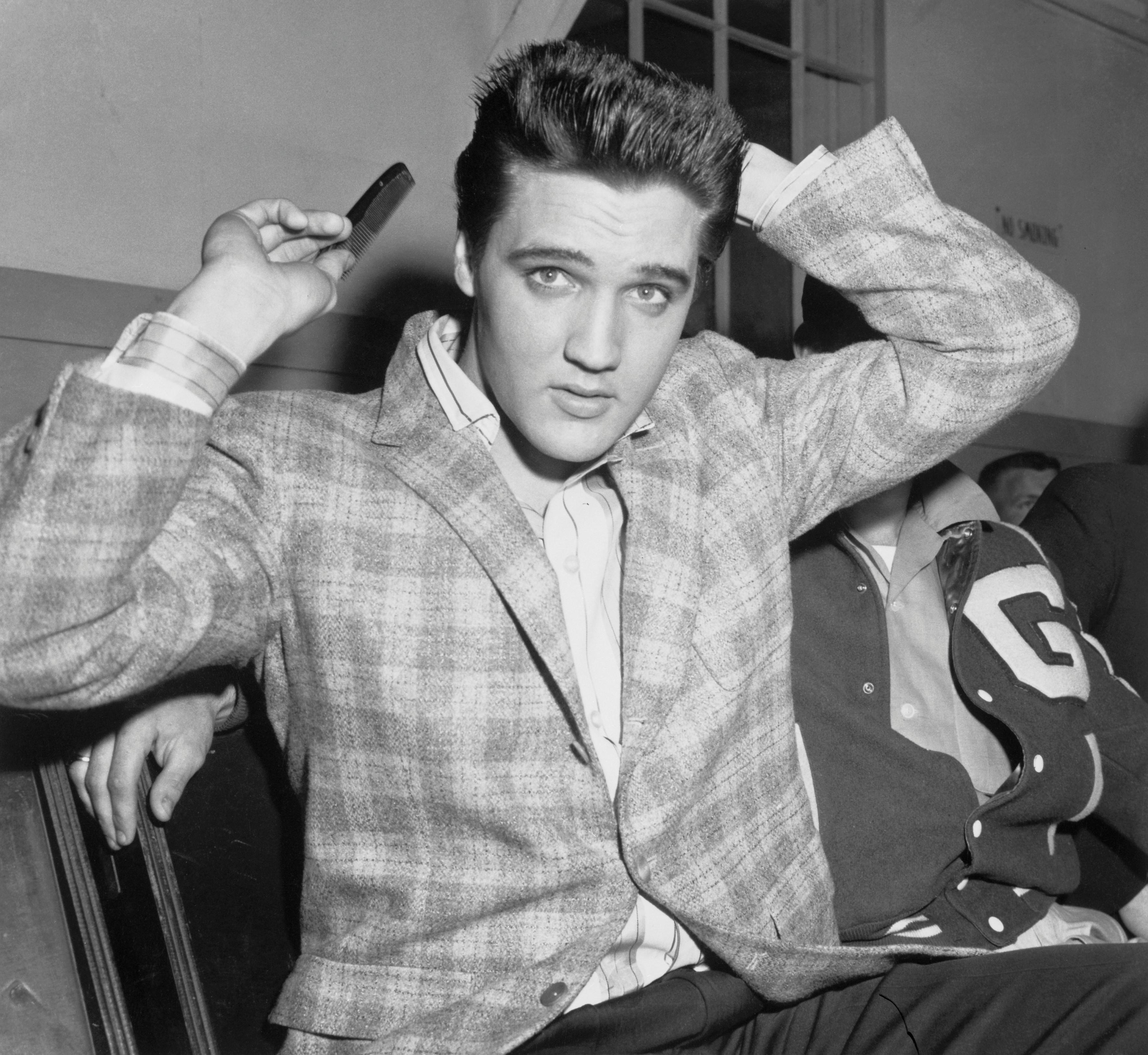 Elvis Presley S Hairstylist Spills The King S Secrets