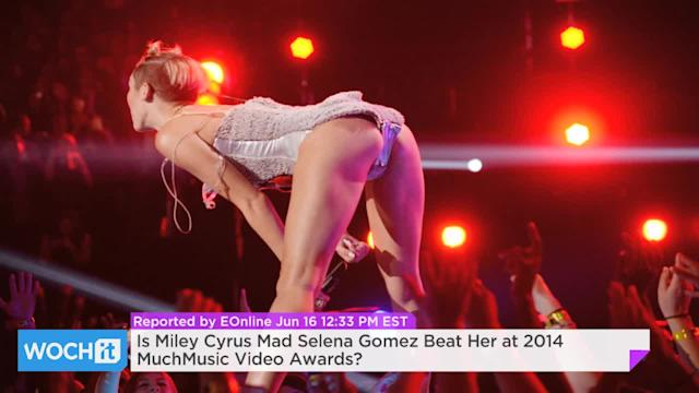 Is Miley Cyrus Mad Selena Gomez Beat Her At 2014 MuchMusic Video Awards?