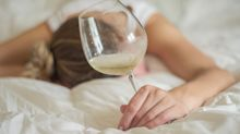 Hangover-Experte erklärt: Dieser Trick hilft gegen einen Kater