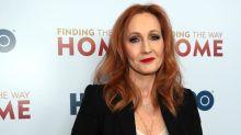 """J.K. Rowling publie en ligne """"The Ickabog"""", un conte de fées pour les enfants confinés"""