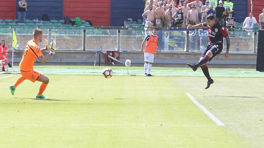Cagliari, Borriello è il mancino più letale della Serie A: ben 11 i goal di sinistro
