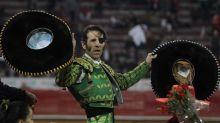La Plaza México regala su cariño y una oreja a Juan José Padilla en su adiós