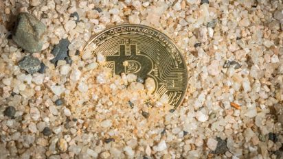 Bitcoin Price Rewinds to $7,800 as Cryptocurrency Market Drops $27 Billion Overnight