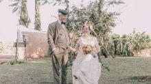 Casal que não tinha nenhuma foto do casamento faz ensaio romântico 60 anos depois
