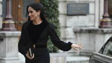 Herzogin Meghan schließt Autotür selbst - und sorgt damit für weltweite Schlagzeilen