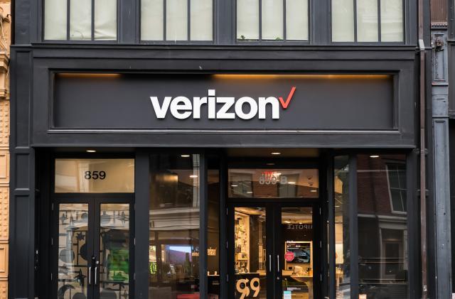 Fire risk makes Verizon recall 2.5 million Ellipsis Jetpack mobile hotspots