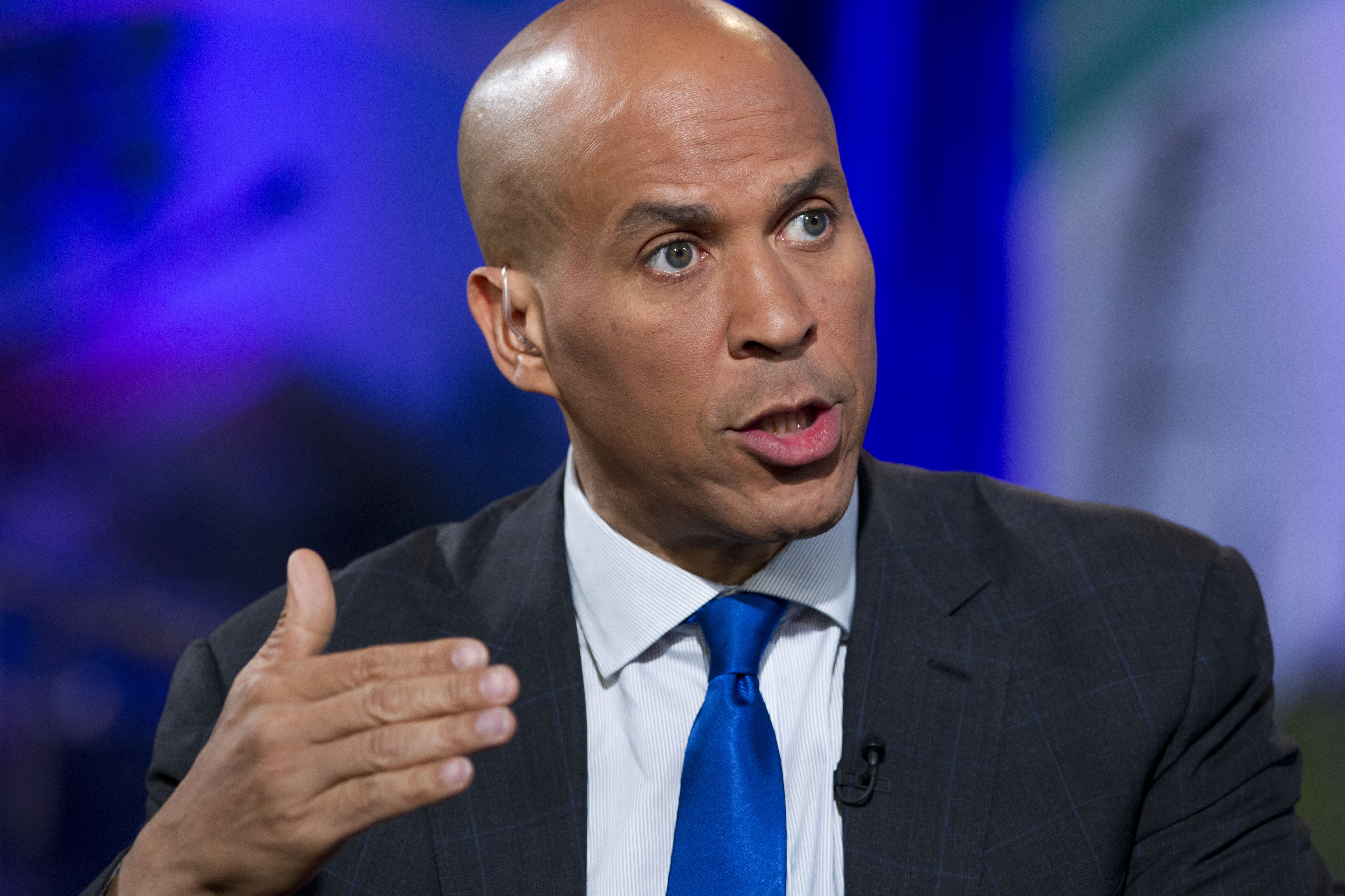 Cash-Strapped Booker Says Could Drop White House Bid by Tuesday