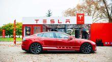 Dow Dips, Nasdaq Dives After This Yield Hits 2021 High; Tesla Meltdown Continues