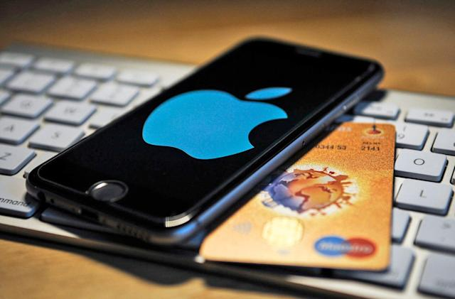 Man pleads guilty to hijacking Apple IDs of rappers and sports stars