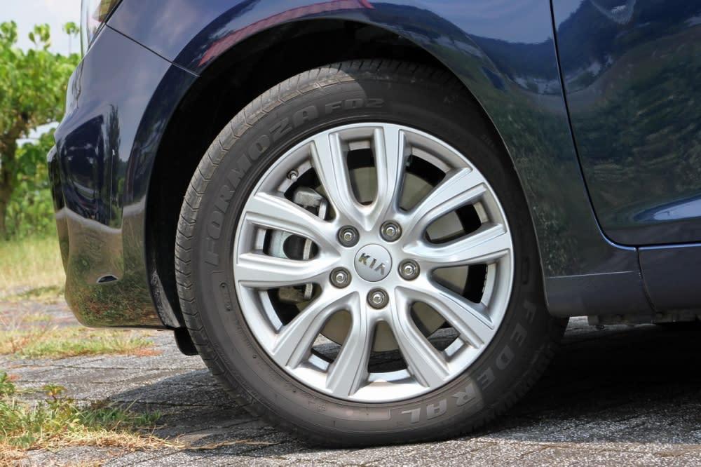 輪胎尺寸為205/55 R16