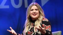 Kelly Clarkson revealed that celebrities were 'really mean' to her during the first season of 'American Idol'