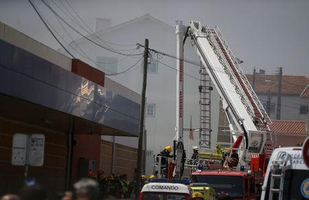 Cinco muertos al estrellarse una avioneta cerca de Lisboa