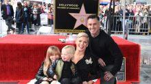 """Ehrung auf dem """"Walk of Fame"""": Pinks Familie verzaubert auf dem Red Carpet"""