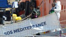 Envahissement des locaux de SOS Méditerranée : 56 personnalités soutiennent Génération identitaire