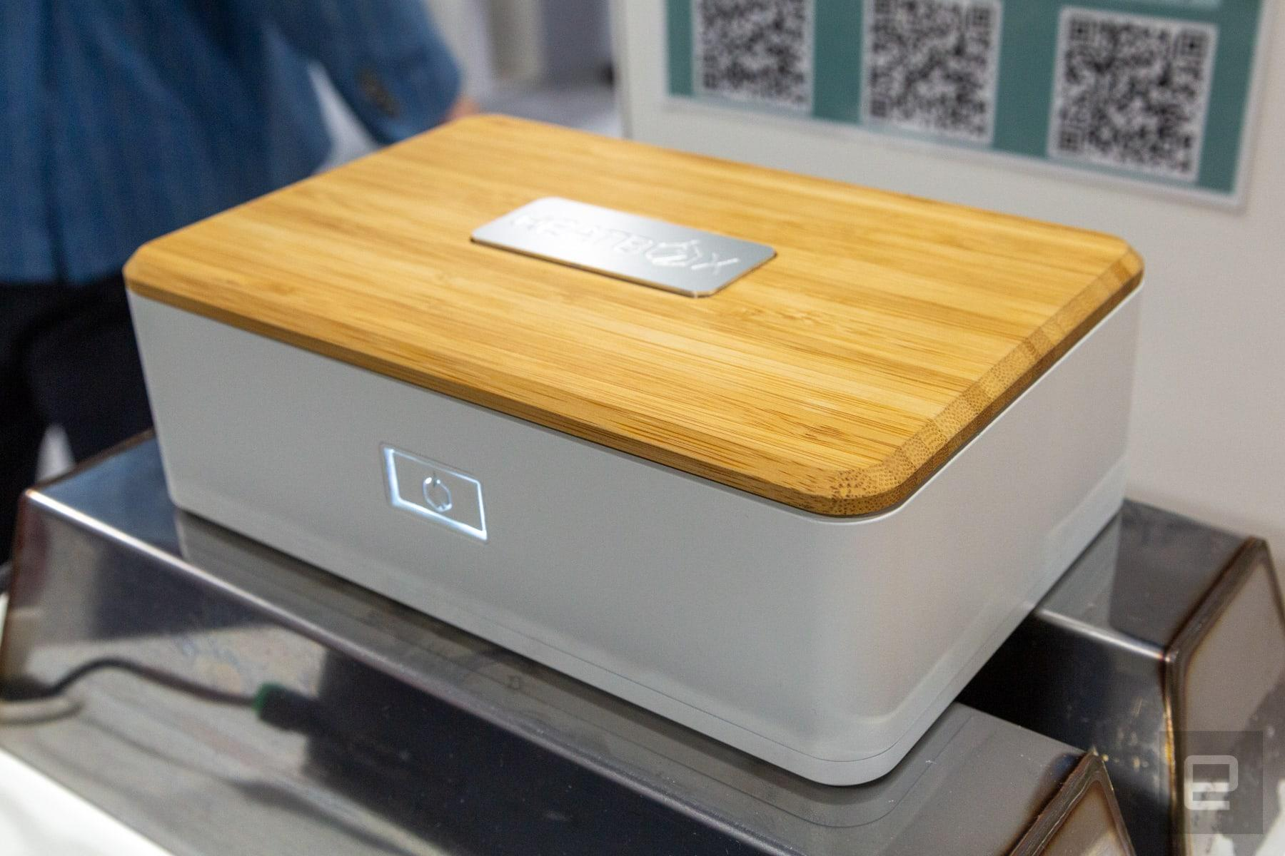 This rechargeable lunchbox uses steam to reheat your food | Engadget