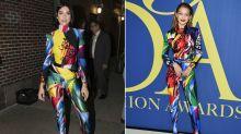 Dua Lipa le copia un look de Versace a Gigi Hadid