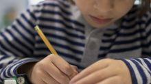 Maestra pide a sus alumnos compartir los lápices y descubre algo sorprendente