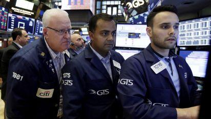 Wall Street higher as tech stocks bounce back