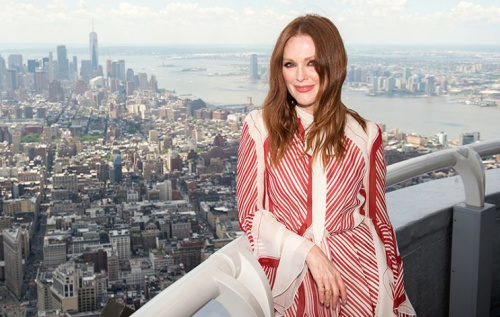 Julianne Moore lights the Empire State Building to honor National Gun Violence Awareness Day with Everytown for Gun Safety. (Photo:Empire State Building)