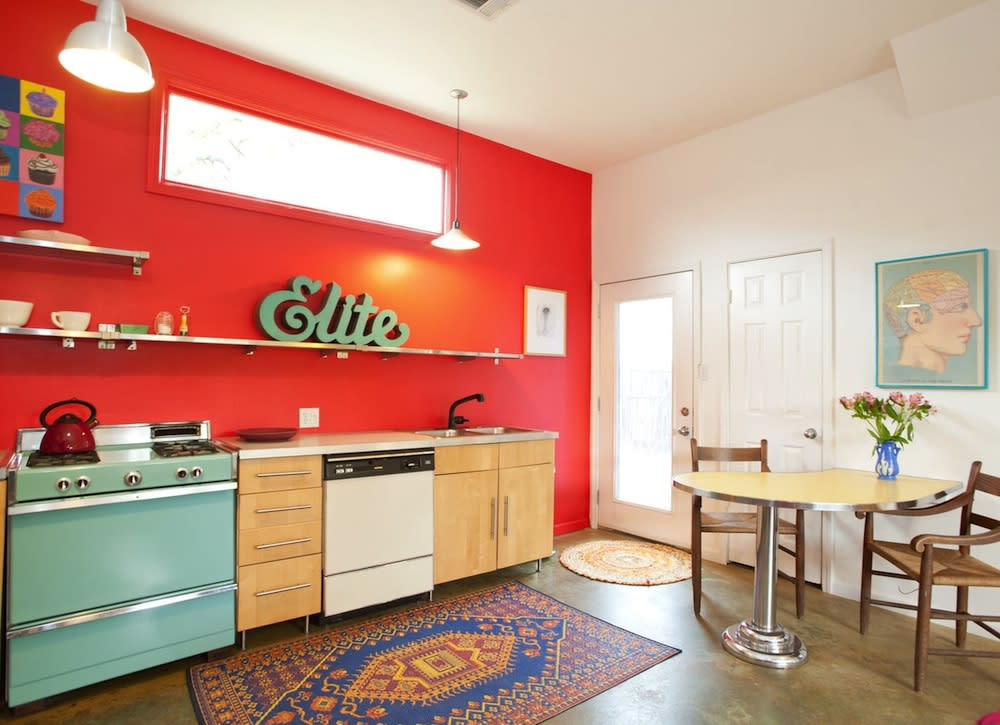 red_vintage_kitchen.jpg