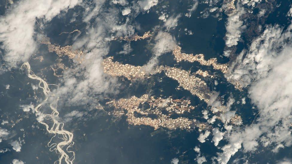 Rare Nasa photos reveal Amazon 'gold rivers' - Yahoo News